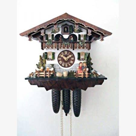 Schwarzwald Kukur, bevægelige figurer, antikbejdset/malet nøddetræ, 8 døgns mekanisk urværk